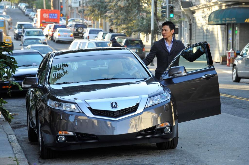 刘德华首演汽车广告 讴歌TL广告片曝光 视频高清图片
