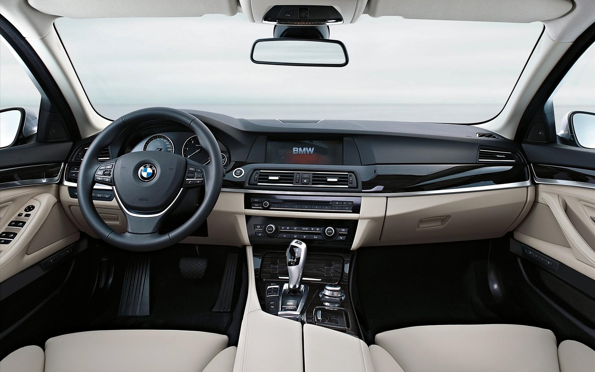 宝马 BMW 5系 汽车 交通工具 轿车 内饰 方向盘 仪表
