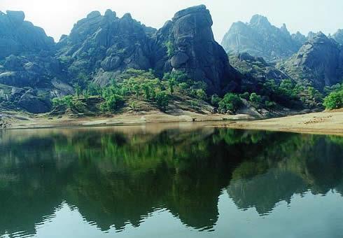 活动时间:4月23日(周六) 活动景点:嵖岈山风景名胜区 报名热线:0377