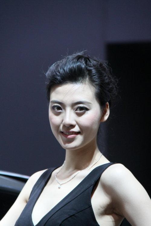 上海闸北 2011上海国际车展美女车模精选3 500x744 - 41kb - jpeg
