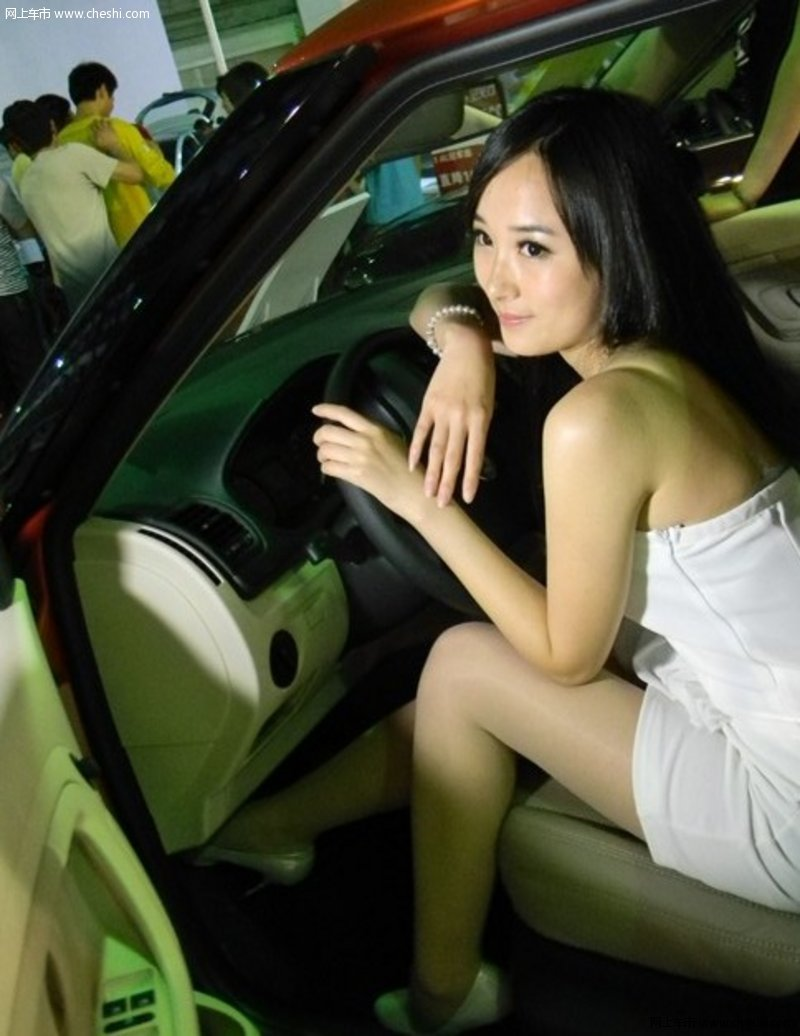 诱惑无比泉州国际车展吸引你眼球的美女;