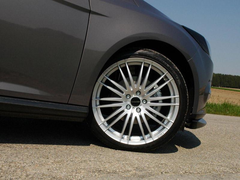 大号轮圈更加运动 家用也激情 2011新款福特福克斯外观改装 高清图片