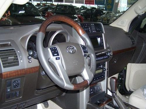 2011款丰田霸道4000白色现车天津港出售高清图片