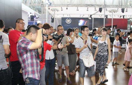 JEEP自由客 哈尔滨车展火爆上市 -6