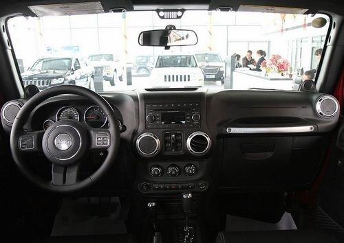 终极四驱利器:2012款Jeep® 牧马人