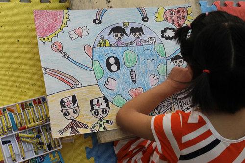 华源杯爱心携手儿童公益绘画圆满成功