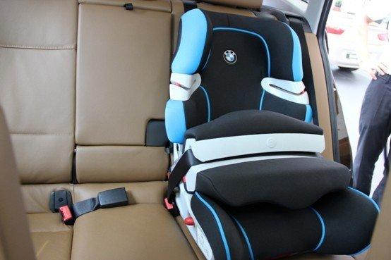 宝马儿童安全座椅高清图片