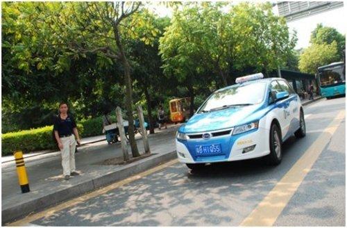 深圳 石家庄/深圳街头运营的e6电动出租车