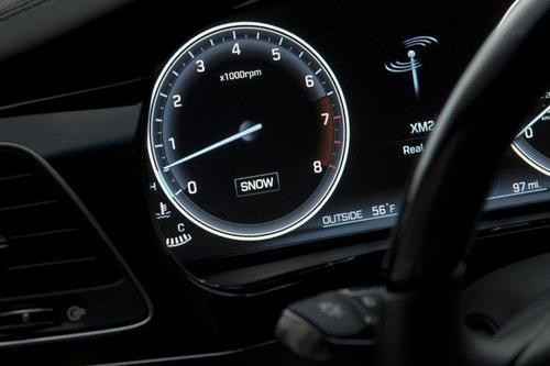 2014款雅科仕纽约发布 前后车重比50:50