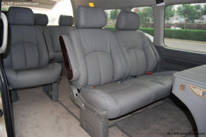 丰田海狮13座商务版 舒适豪华专业改装