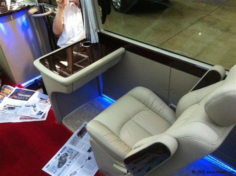 丰田考斯特中东版 原装23座64万可改装