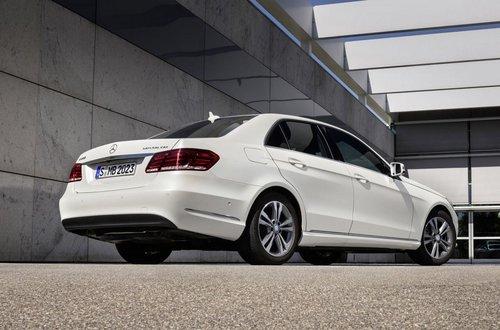 奔驰两款E级环保车发布 售价38.6万元起