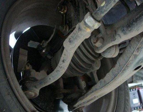 避震器漏油-不容小视 五种常见原因分析
