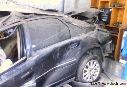 车祸 主题 volvo s80 撞车了 大家觉的安全怎样呢 高清图片