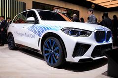 宝马X5新车型!配氢燃料电池/与丰田共同研发