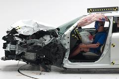 """中保研25%碰撞多车均获""""差评"""" 真有参考意义吗?"""