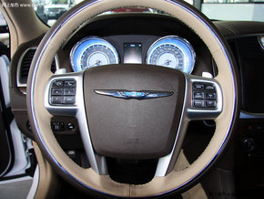 克莱斯勒300C现车 超值动力特价33.5万