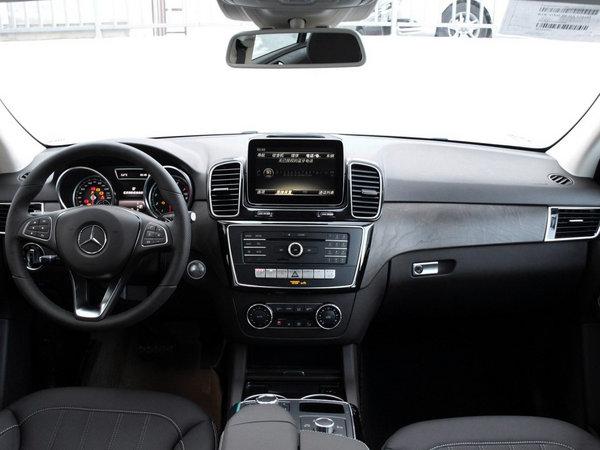 一场高品质的自驾游 70万能买的长途舒适的SUV-图5