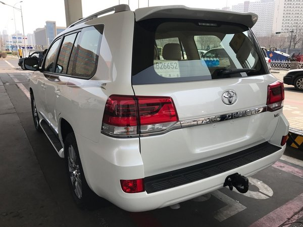 17款丰田酷路泽4000 最低57万可随时提车-图3