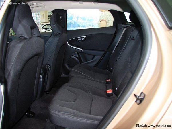 16款沃尔沃V40家用旅行轿 豪华动力配置-图10