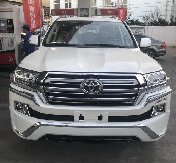 创】近日获悉,2018款丰田酷路泽4.0L天津港现车发售,新款陆巡