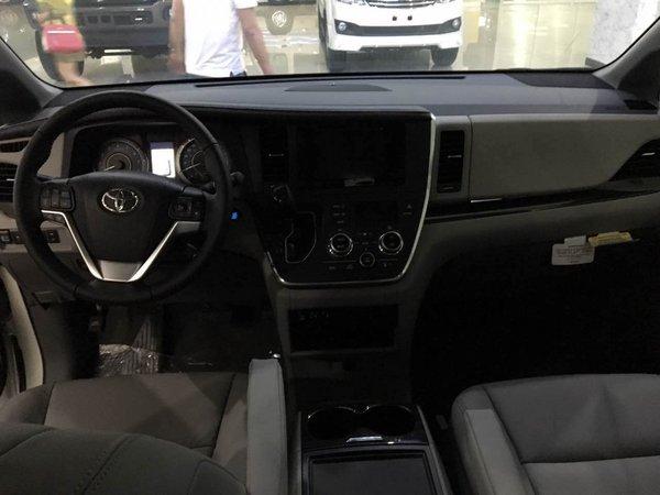 17款丰田塞纳3.5四驱顶配现车 魅力商务-图4