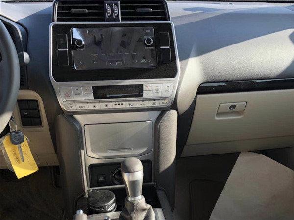18款中东丰田霸道2700 大油箱越野低价格-图7