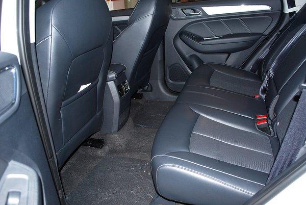 首辆互联网汽车SUV,荣威RX5新车实拍高清图片
