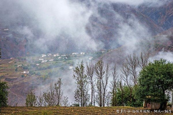 一条通往云端的圣洁之路——探秘中国版秋名山-图11