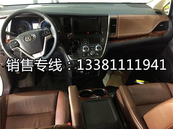 2017款丰田塞纳四驱 8速塞纳车库实拍图