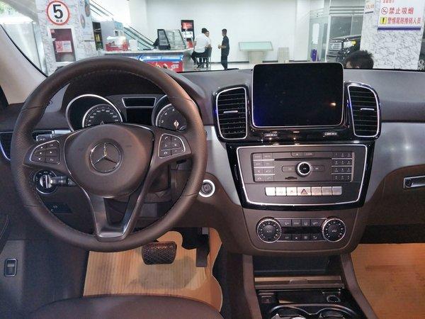 17款奔驰GLE400 舒适辣眼越野个性大比拼-图4