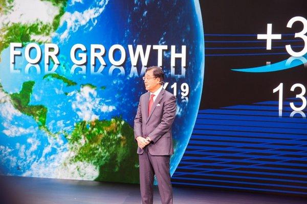 东京车展火热开幕,三菱汽车发布全球品牌战略及新款纯电动概念SUV——e-Evolution-图1