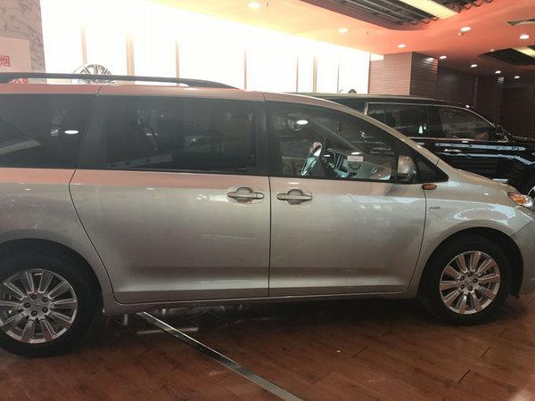 17款丰田塞纳顶配现车 舒适商务价格低-图3