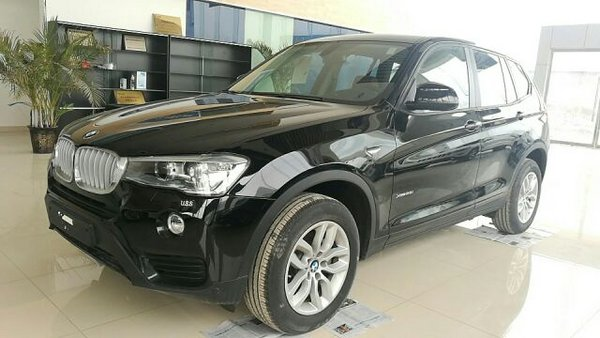 2016款宝马X3中东版 2.0T汽油让利价42万-图3