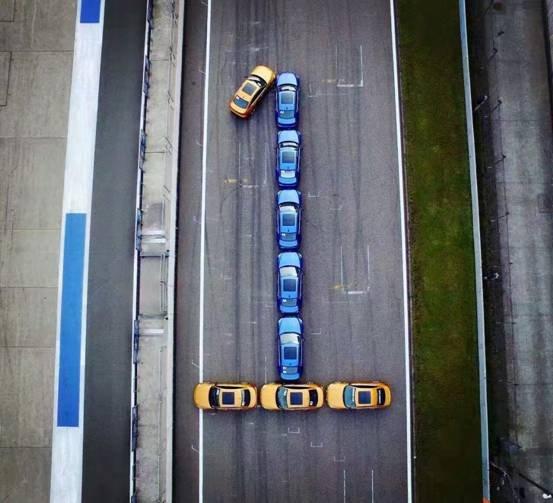 全新BMW 1系运动轿车为年轻人而来-图1