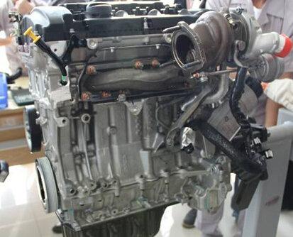 东风标致高效动力1.2T 1.8T发动机解析高清图片