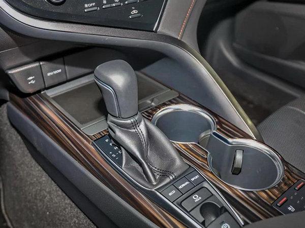 舒适与操控可以兼得 第八代凯美瑞对比新迈腾-图13