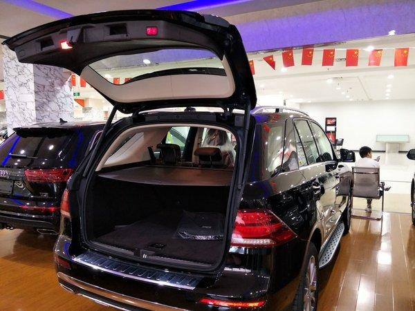 17款奔驰GLE400 舒适辣眼越野个性大比拼-图6