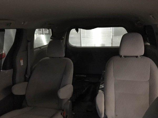 17款丰田塞纳3.5四驱顶配现车 魅力商务-图5