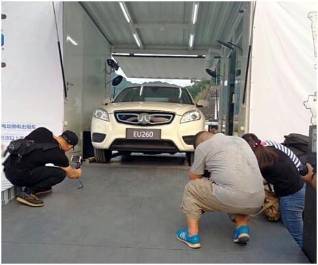 广州首座换电站启用  出租车驶入新模式-图2