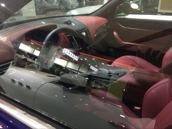 17款��莎拉蒂�R凡特SUV 低惠�r品味人生-�D4