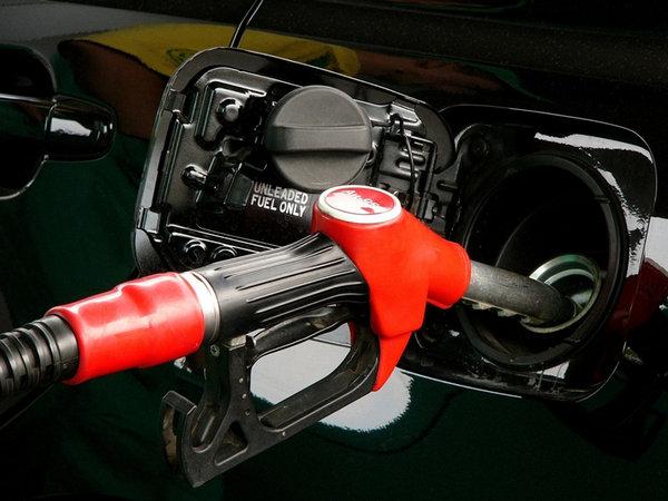 新车应该加多少号油 切记只跟压缩比有关_维修保养-网上车市
