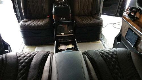 奔驰V260商务车配置报价图片预订从速-图3