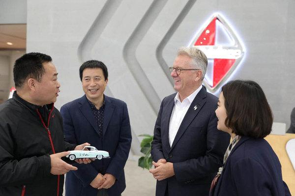 未来将推电动车 专访宝沃全球CEO华立新-图5