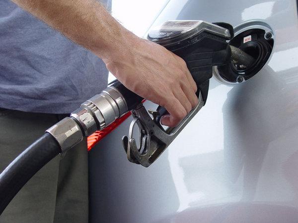 让你了解汽车加油小窍门 早晚加油最省钱_维修保养-网上车市