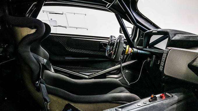 首台BT62赛车正式交付 仅重972kg/售价650万-图6
