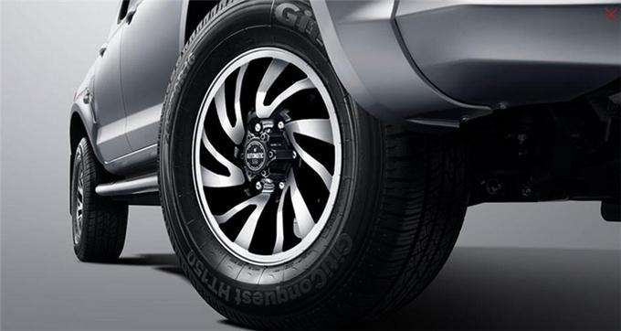 锐骐皮卡汽油国六版上市售价为8.78-11.28万元-图4
