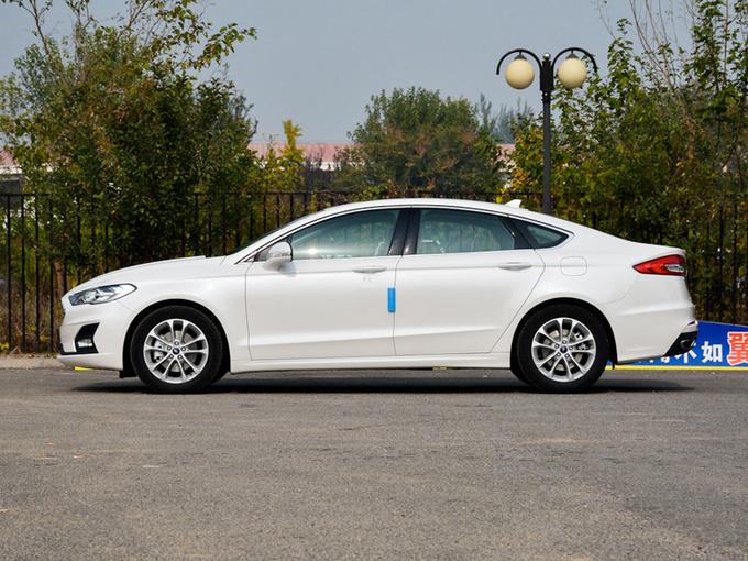 福特蒙迪欧官降4.6万元 换代车型最快明年国产-图2