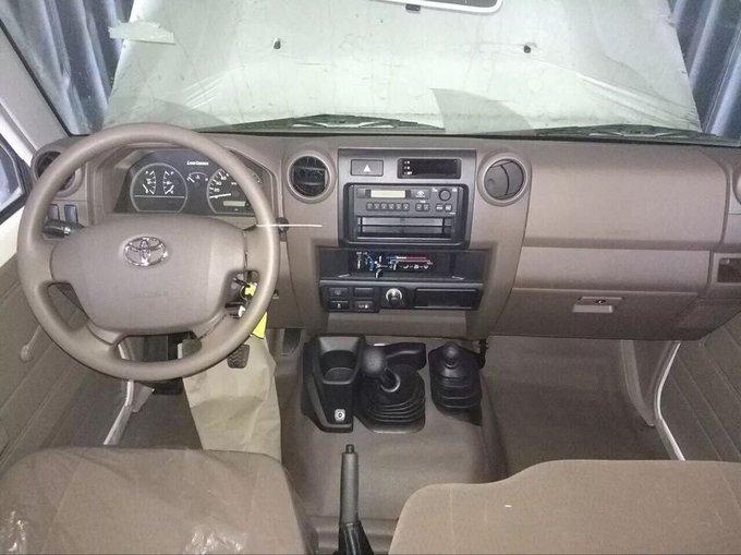 18款丰田LC79汽油4.0 现车到港优惠报价-图6