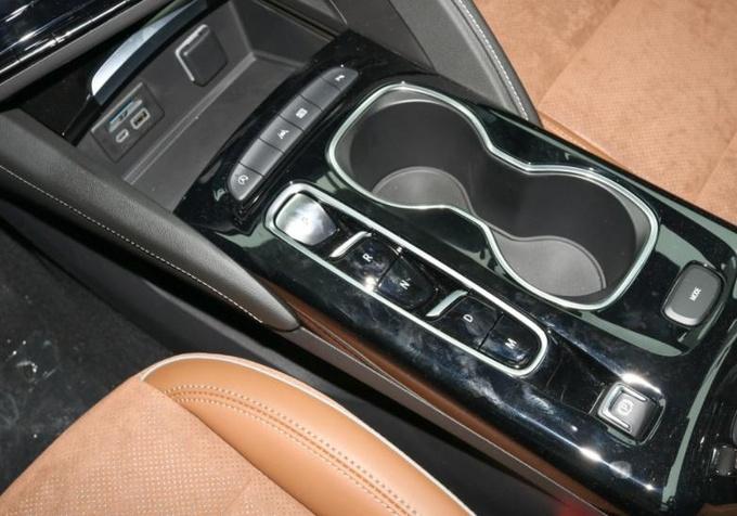 20多万SUV为什么更推荐昂科威S单颜值和操控就足以值回票价-图8